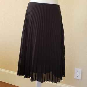 Vince Camuto Pleaded Skirt Size 4